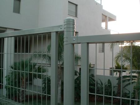 Cerramiento enmarcado los arrayanes golg (Benahavis – Málaga)