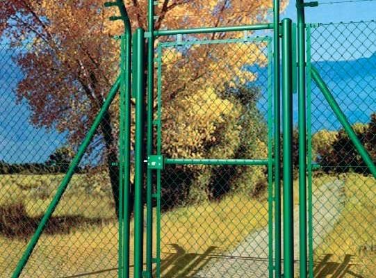 Puertas con malla simple torsión